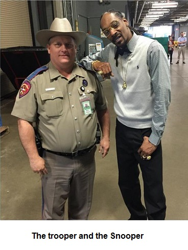 Texas Trooper disciplined for photo with Snoop Dogg | LawFlog